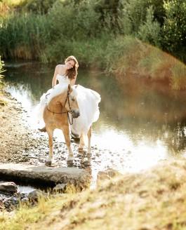 Portraitfotos Braunschweig – Annika und ihr Pferd Hailey