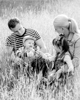 Familienfotos Braunschweig – Auf der Wiese