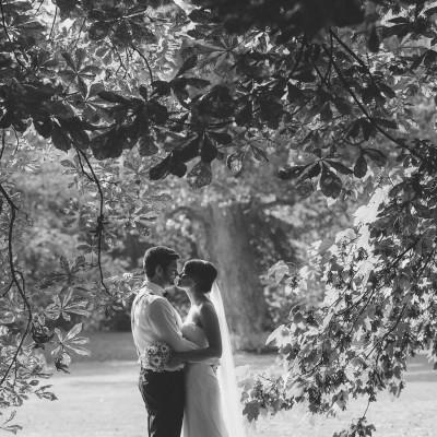 Braunschweiger Hochzeitspaar im schönen Gegenlicht