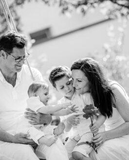 Familienportraits im Garten – Portraitfotografie Braunschweig